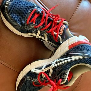 ASICS running shoes 8.5 red white blue